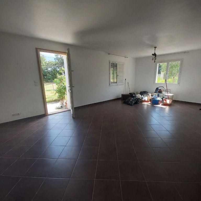 Maison à louer 3 95m2 à Bourg-Saint-Andéol vignette-4