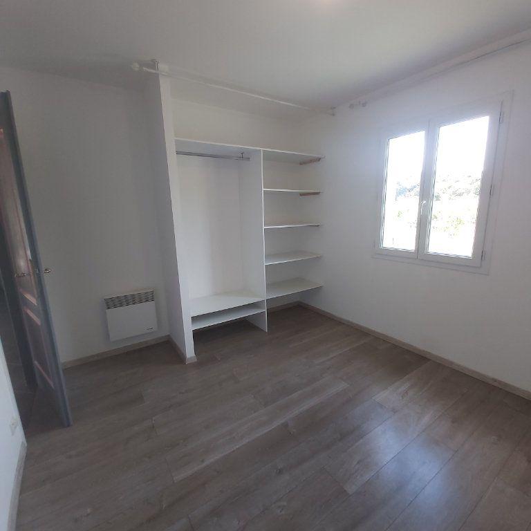 Maison à louer 3 95m2 à Bourg-Saint-Andéol vignette-6