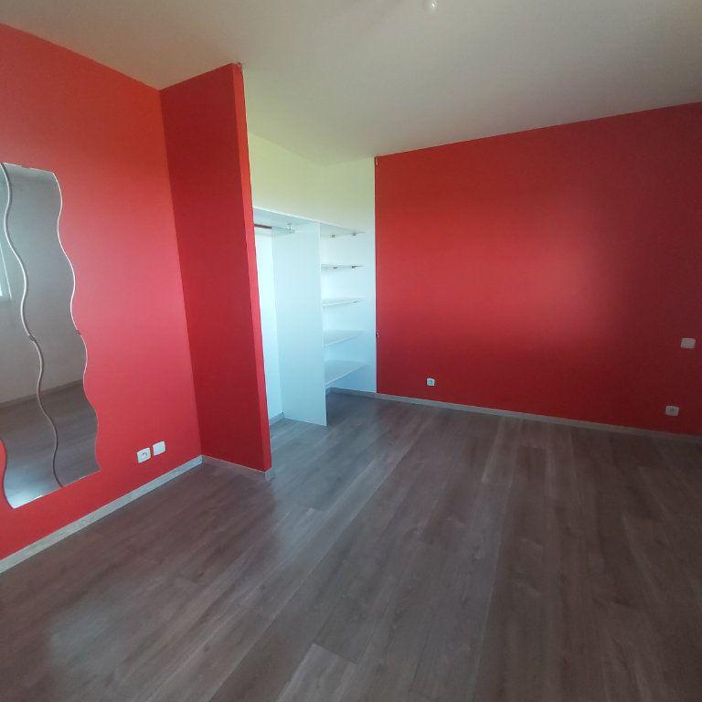 Maison à louer 3 95m2 à Bourg-Saint-Andéol vignette-7
