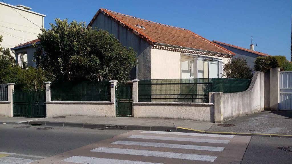 Maison à louer 4 58m2 à Montélimar vignette-1