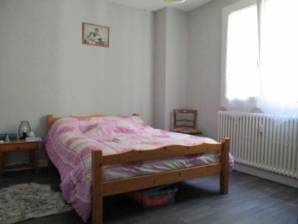 Appartement à louer 3 67.35m2 à Montélimar vignette-3