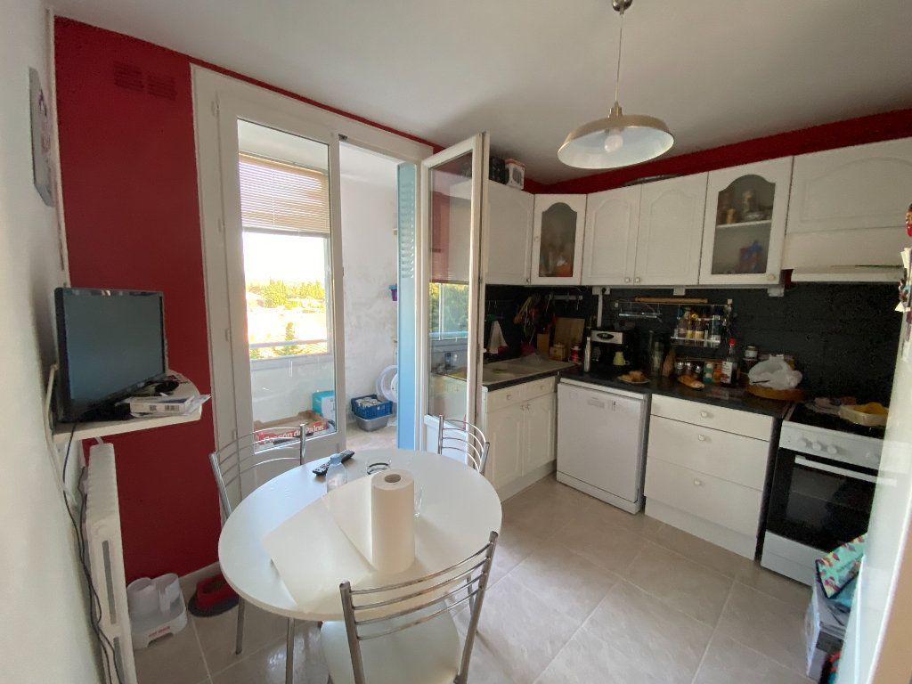 Appartement à louer 4 66.4m2 à Montélimar vignette-2