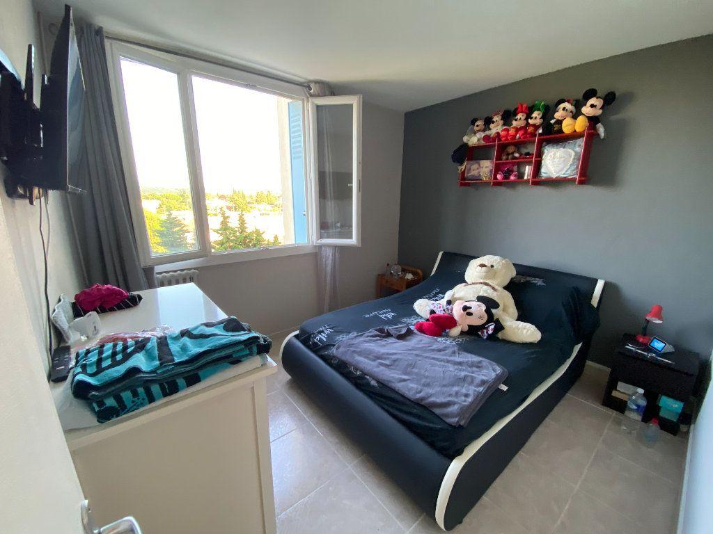 Appartement à louer 4 66.4m2 à Montélimar vignette-3