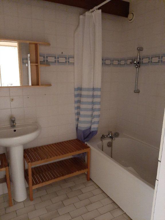 Appartement à louer 3 71.06m2 à Montélimar vignette-6
