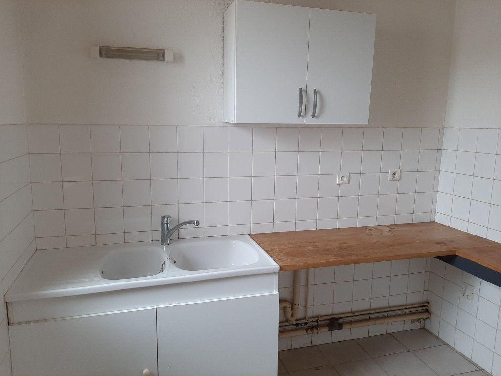 Appartement à louer 1 25m2 à Allan vignette-2