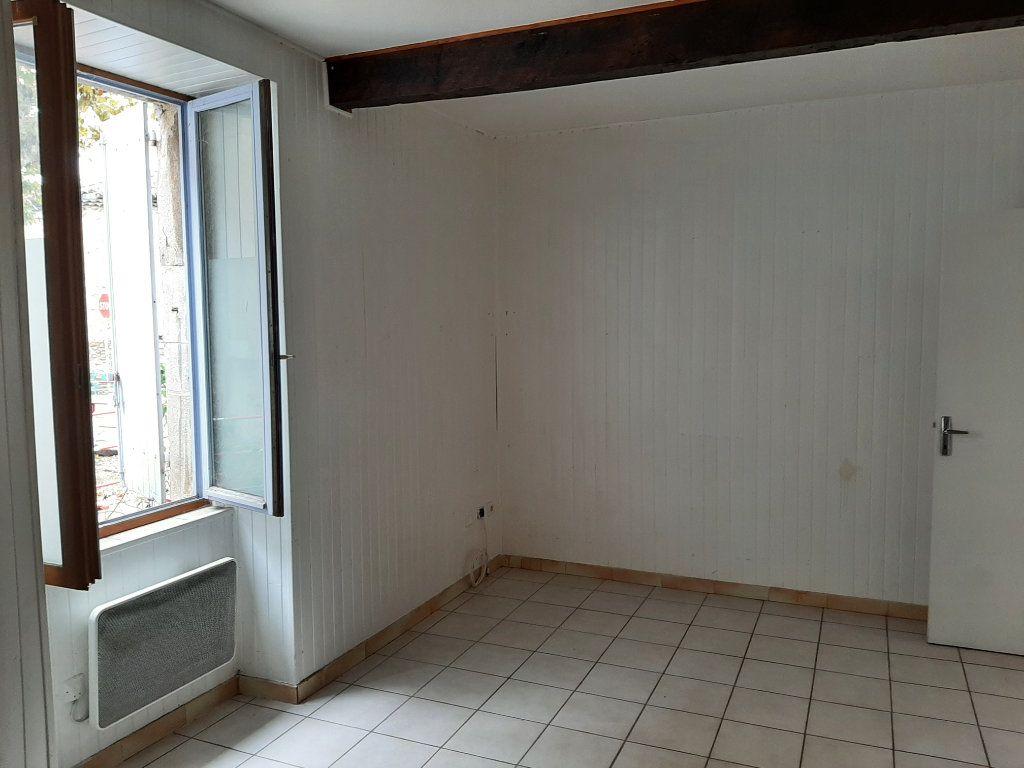 Appartement à louer 1 25m2 à Allan vignette-3
