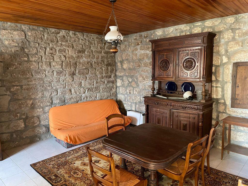 Maison à vendre 10 208m2 à Lablachère vignette-6