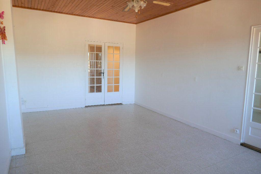 Appartement à vendre 3 94m2 à Joyeuse vignette-6