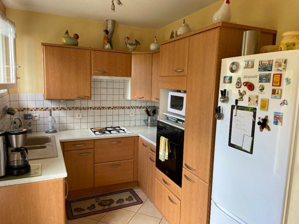 Maison à vendre 4 103m2 à Saint-Alban-Auriolles vignette-5