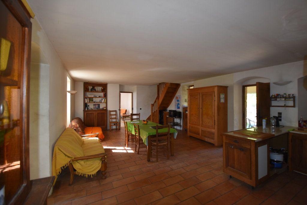 Maison à vendre 10 198m2 à Lablachère vignette-6