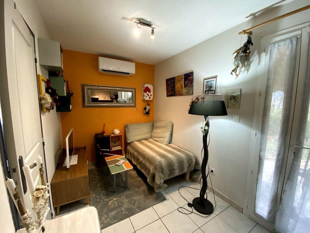 Maison à vendre 3 28.8m2 à Vallon-Pont-d'Arc vignette-3