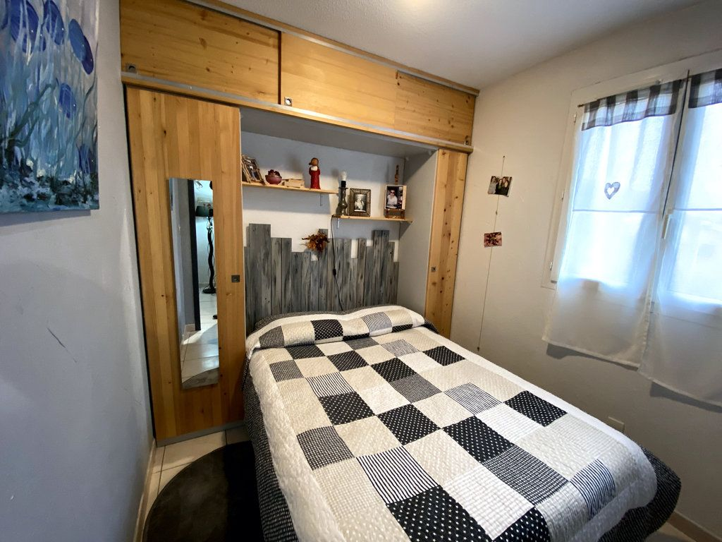 Maison à vendre 3 28.8m2 à Vallon-Pont-d'Arc vignette-4
