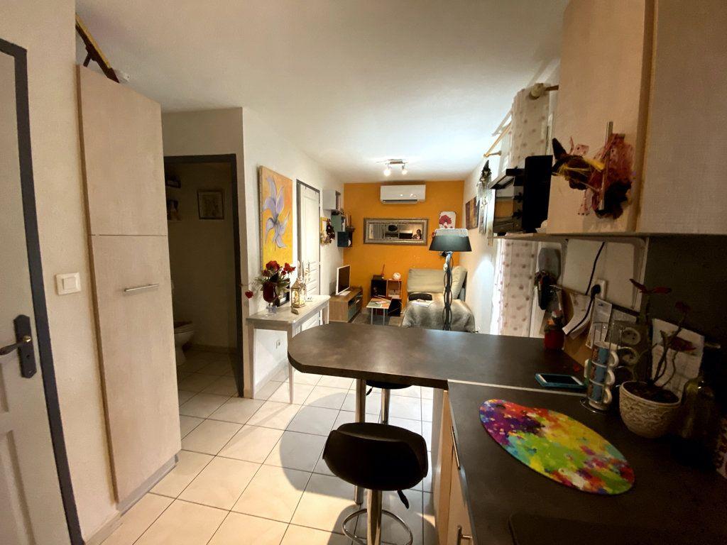 Maison à vendre 3 28.8m2 à Vallon-Pont-d'Arc vignette-8