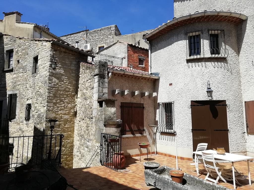 Maison à vendre 11 235m2 à Barjac vignette-1