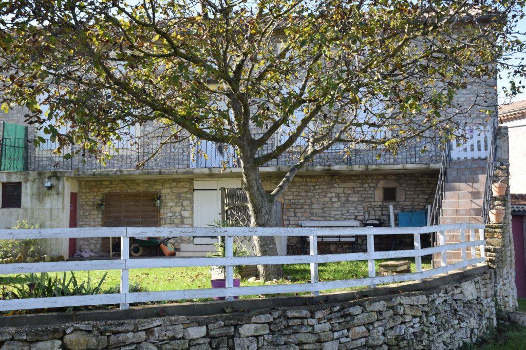 Maison à vendre 18 400m2 à Orgnac-l'Aven vignette-5