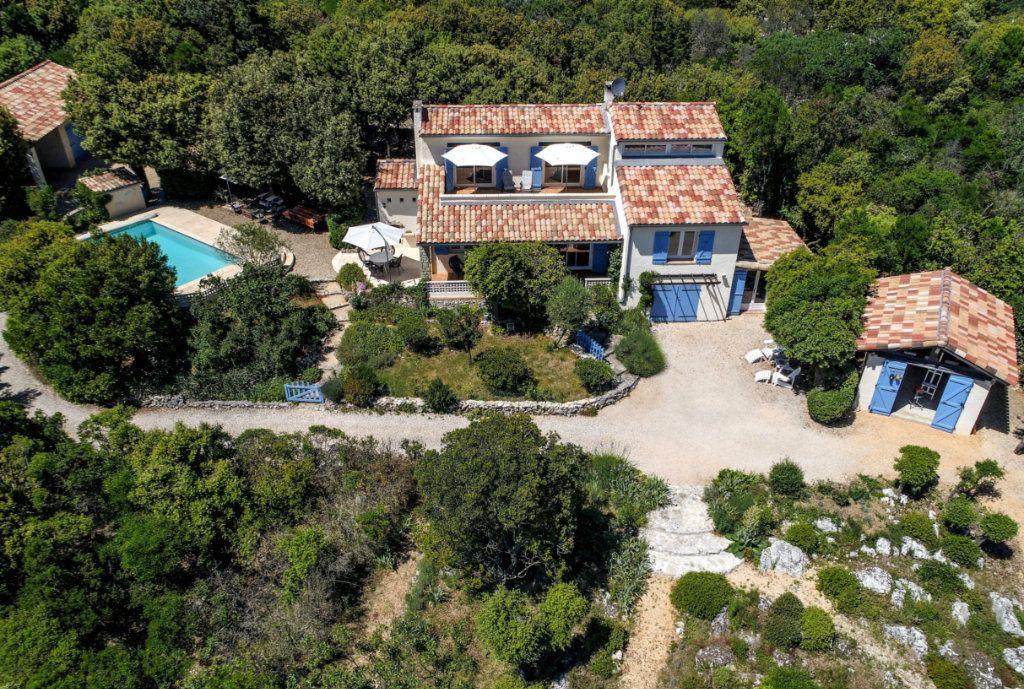 Maison à vendre 8 194.5m2 à Méjannes-le-Clap vignette-1