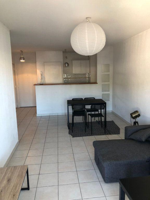 Appartement à louer 2 45.7m2 à Montpellier vignette-3