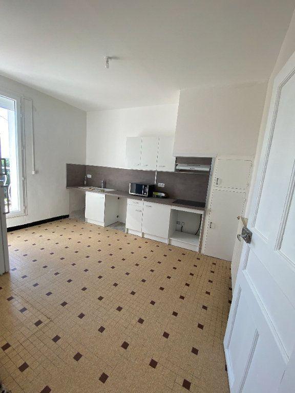 Appartement à louer 4 95m2 à Saint-Drézéry vignette-1