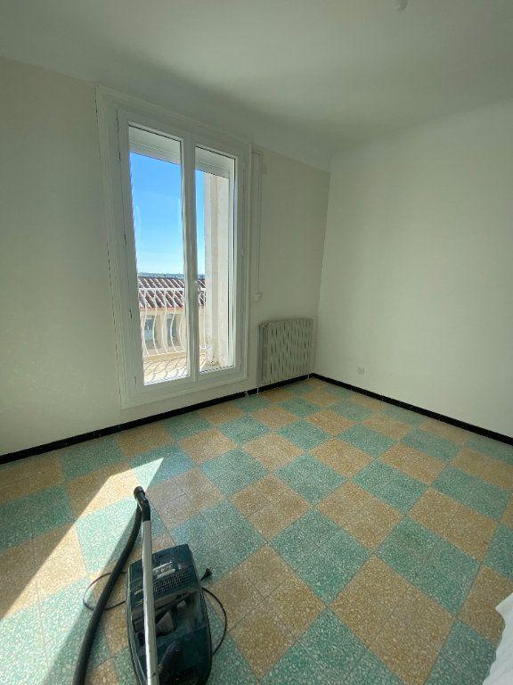 Appartement à louer 4 95m2 à Saint-Drézéry vignette-2