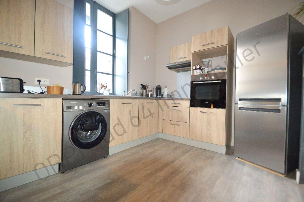 Appartement à louer 3 69.95m2 à Pau vignette-1