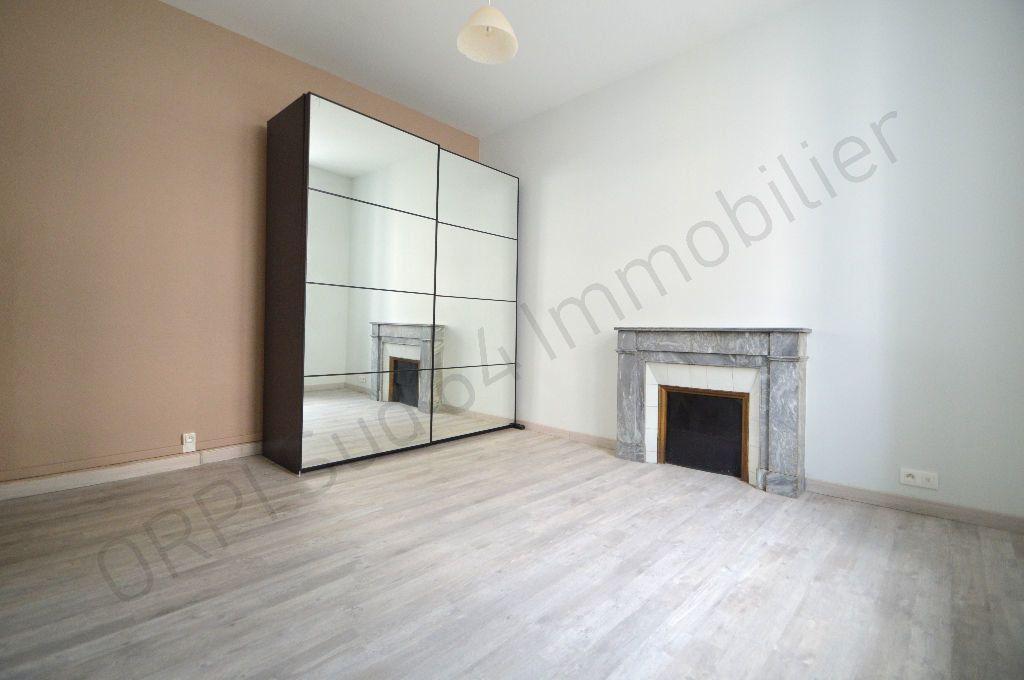 Appartement à louer 3 69.95m2 à Pau vignette-6