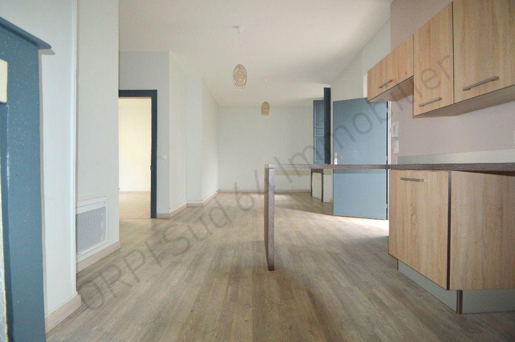 Appartement à louer 3 69.95m2 à Pau vignette-7