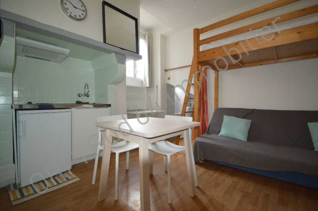 Appartement à louer 1 10.14m2 à Pau vignette-1