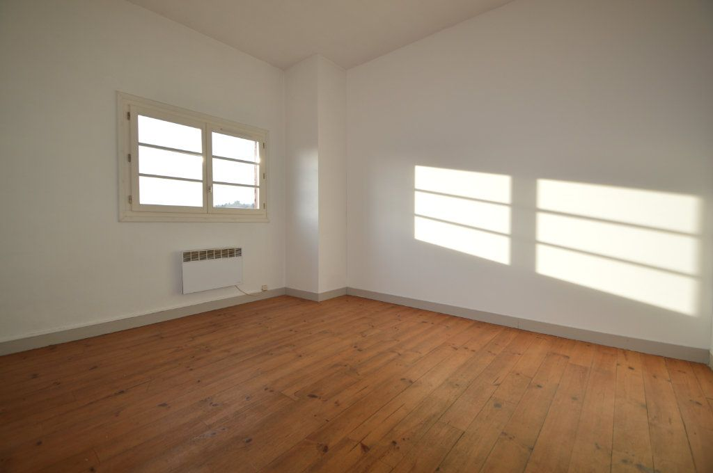 Appartement à louer 1 37m2 à Jurançon vignette-4