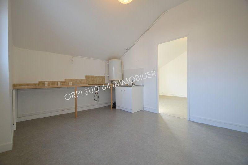 Appartement à louer 2 36.72m2 à Gelos vignette-2
