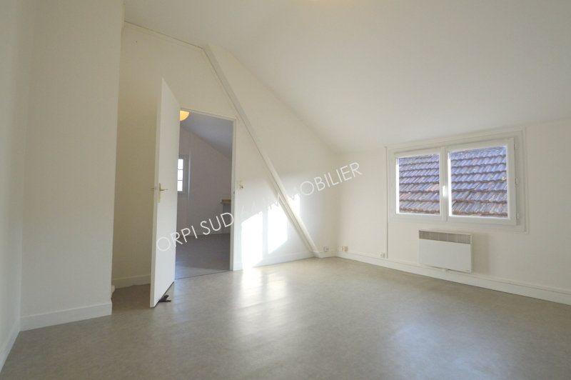 Appartement à louer 2 36.72m2 à Gelos vignette-3