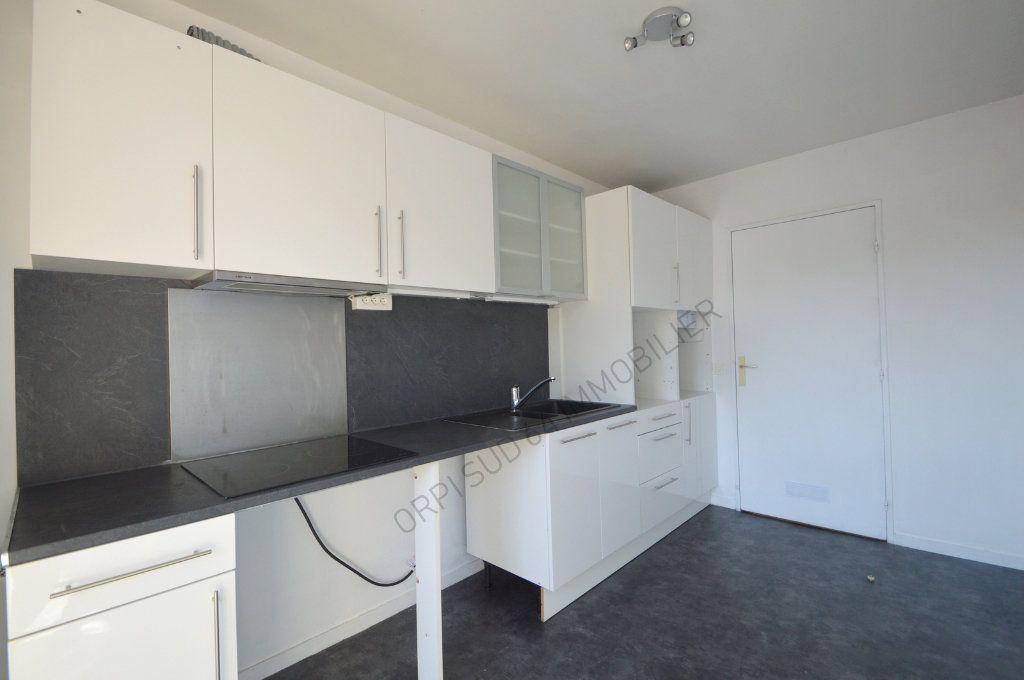 Appartement à louer 4 100m2 à Pau vignette-2