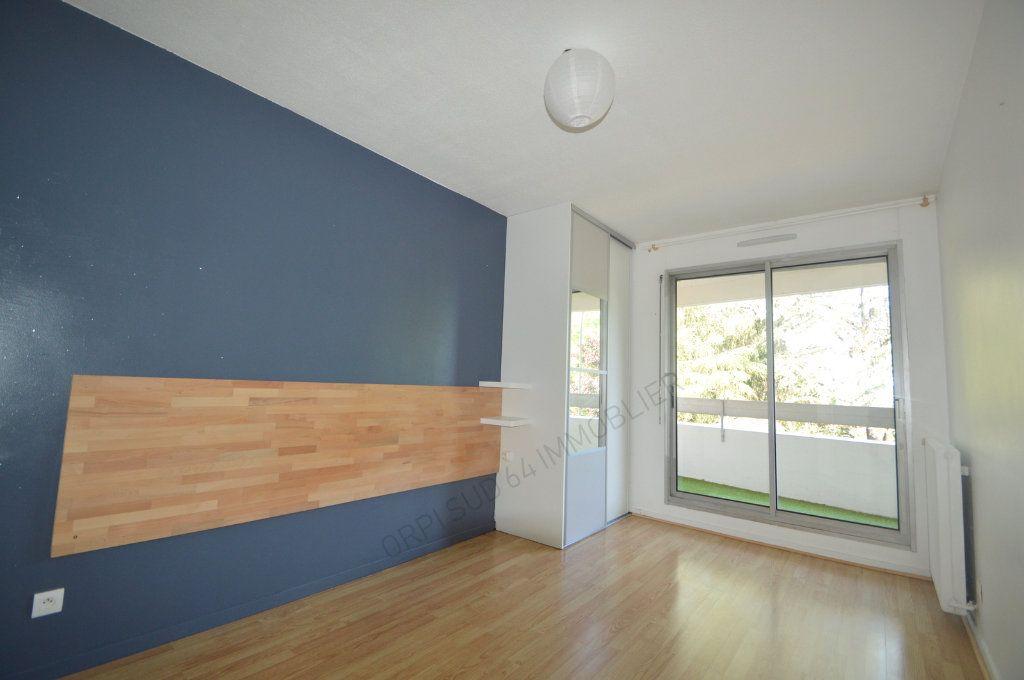 Appartement à louer 4 100m2 à Pau vignette-9