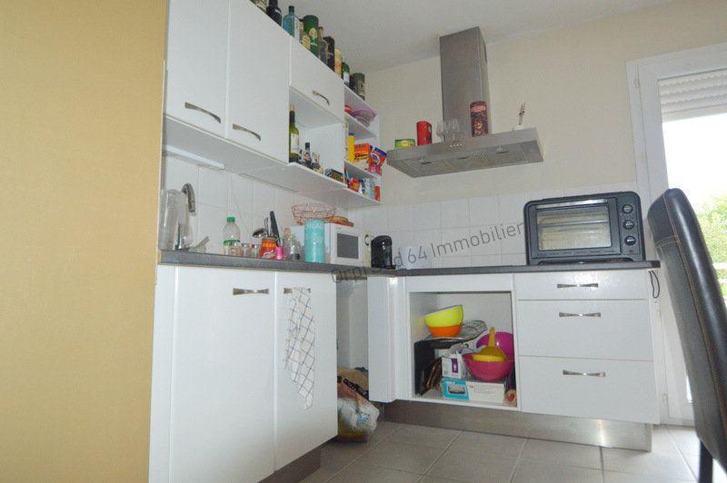 Appartement à louer 3 87m2 à Gelos vignette-3