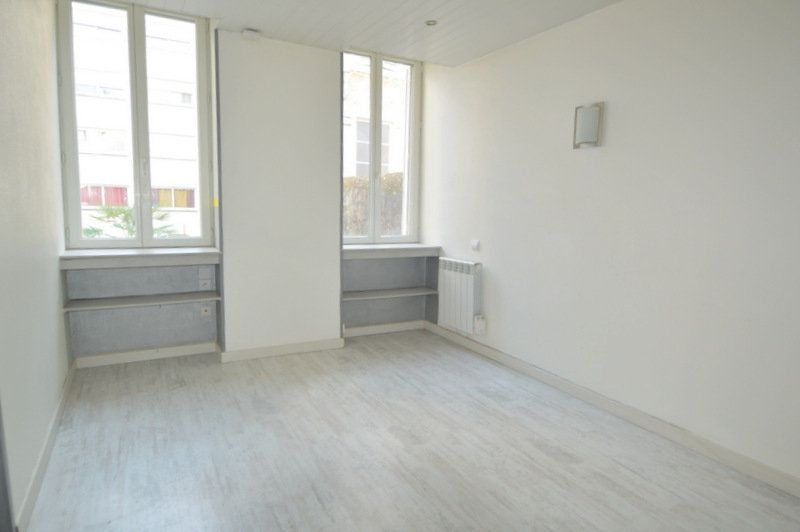 Appartement à louer 1 25m2 à Pau vignette-1