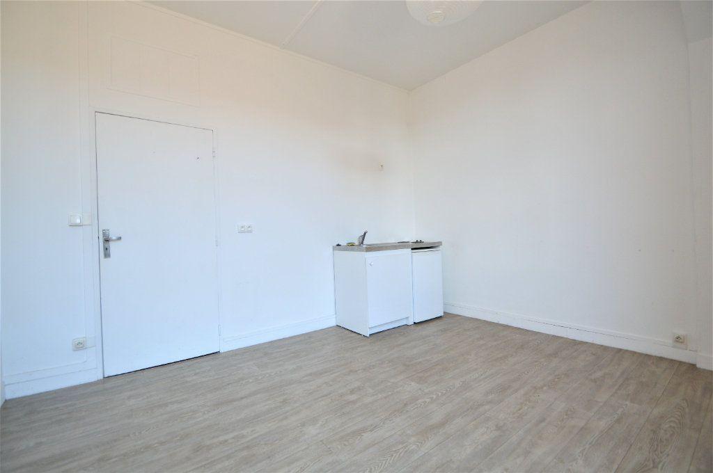 Appartement à louer 2 37.33m2 à Gelos vignette-2