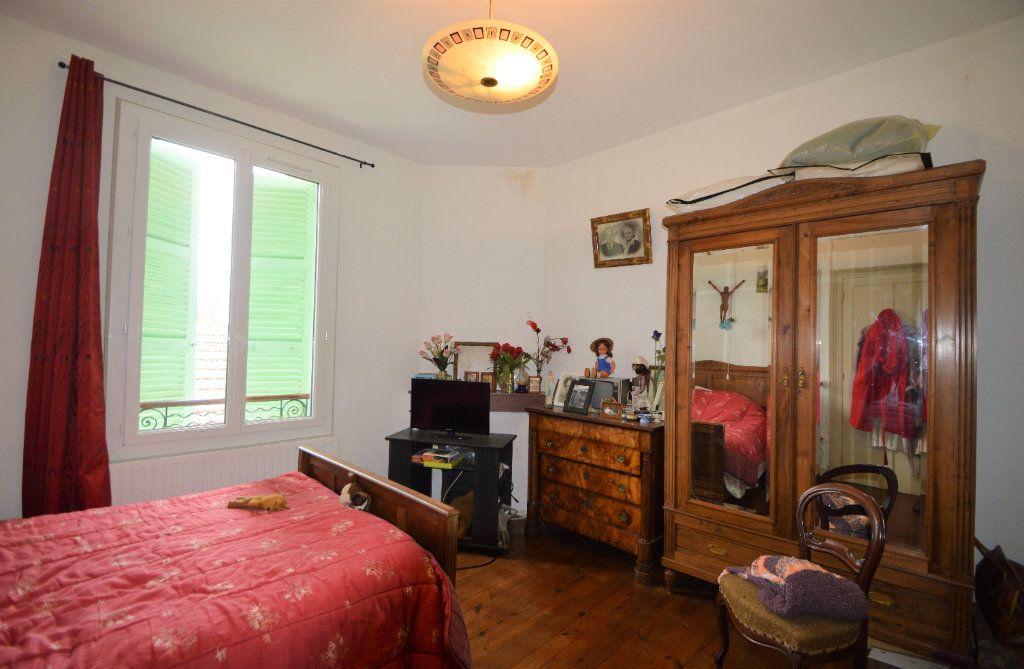 Maison à vendre 4 100m2 à Gelos vignette-5
