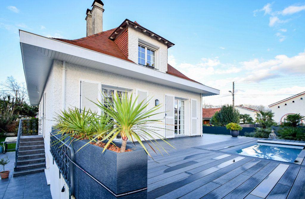 Maison à vendre 7 182m2 à Pau vignette-1