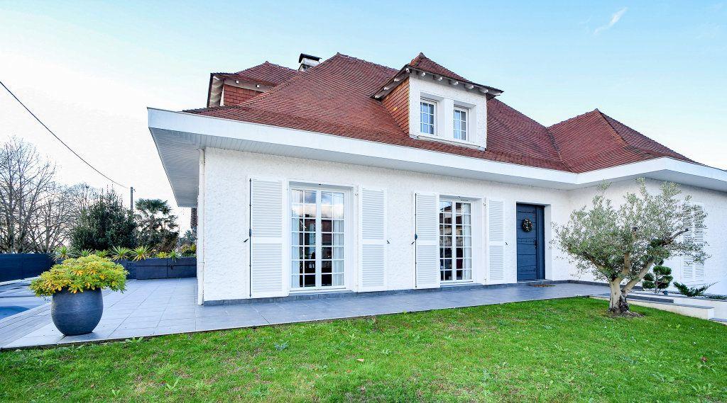 Maison à vendre 7 182m2 à Pau vignette-2