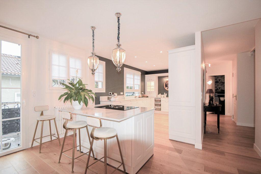 Maison à vendre 7 182m2 à Pau vignette-6