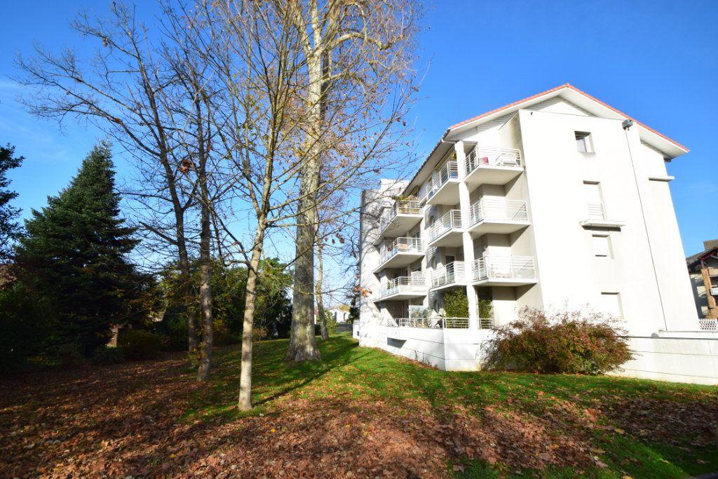 Appartement à louer 1 30m2 à Pau vignette-9