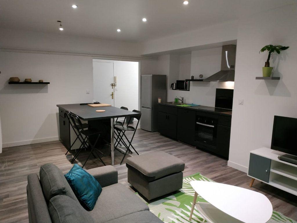 Appartement à vendre 5 90m2 à Pau vignette-1