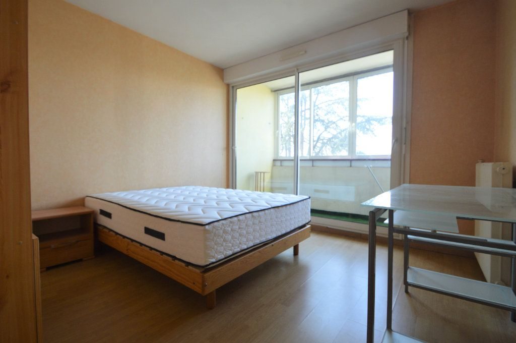 Appartement à louer 3 60.18m2 à Pau vignette-4