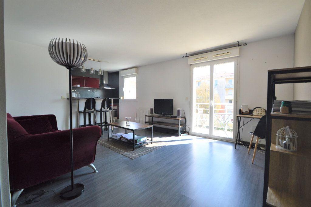 Appartement à louer 2 45.9m2 à Pau vignette-1
