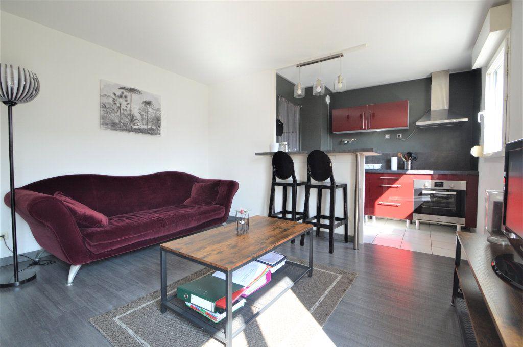 Appartement à louer 2 45.9m2 à Pau vignette-2