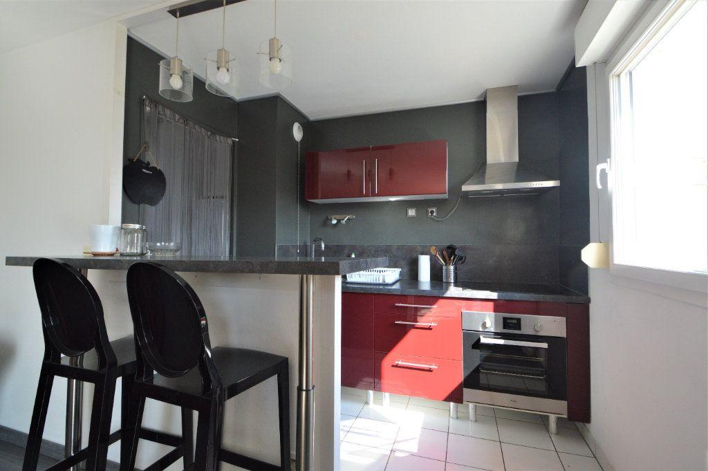 Appartement à louer 2 45.9m2 à Pau vignette-4