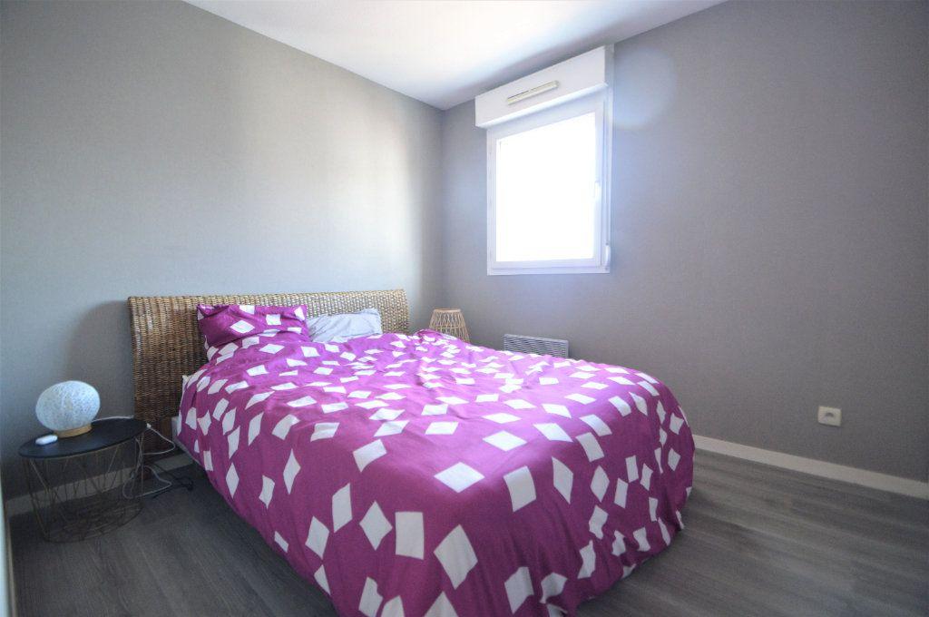 Appartement à louer 2 45.9m2 à Pau vignette-5