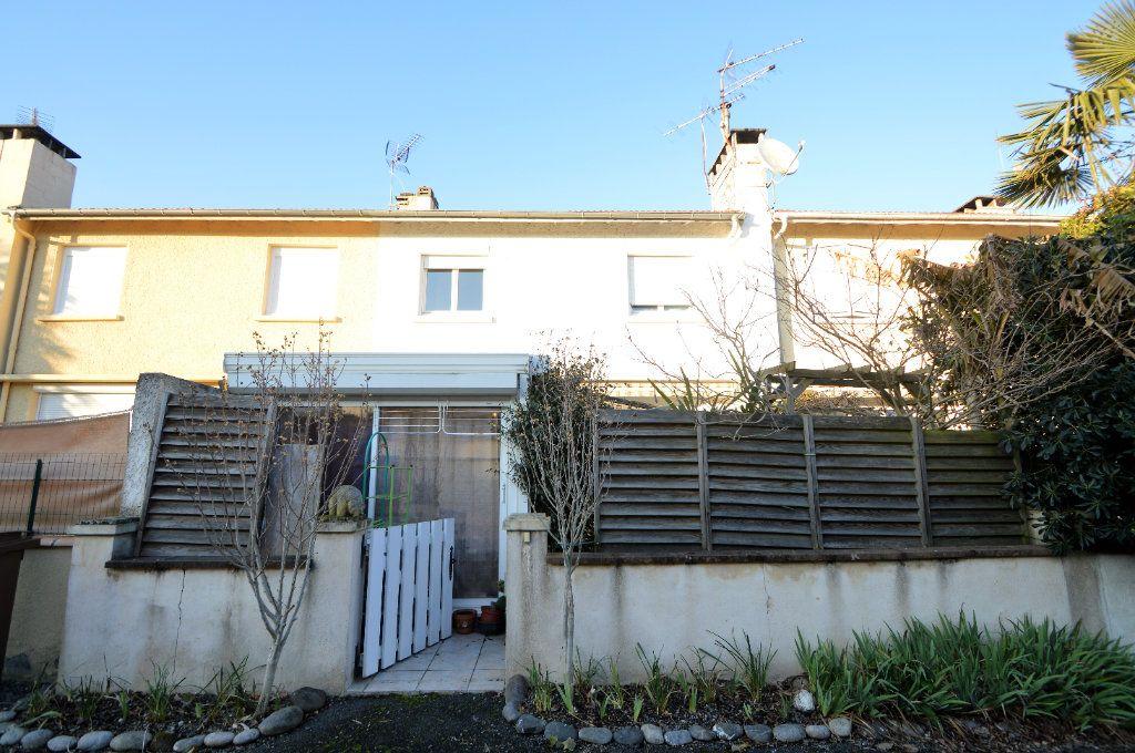 Maison à vendre 4 68m2 à Billère vignette-1