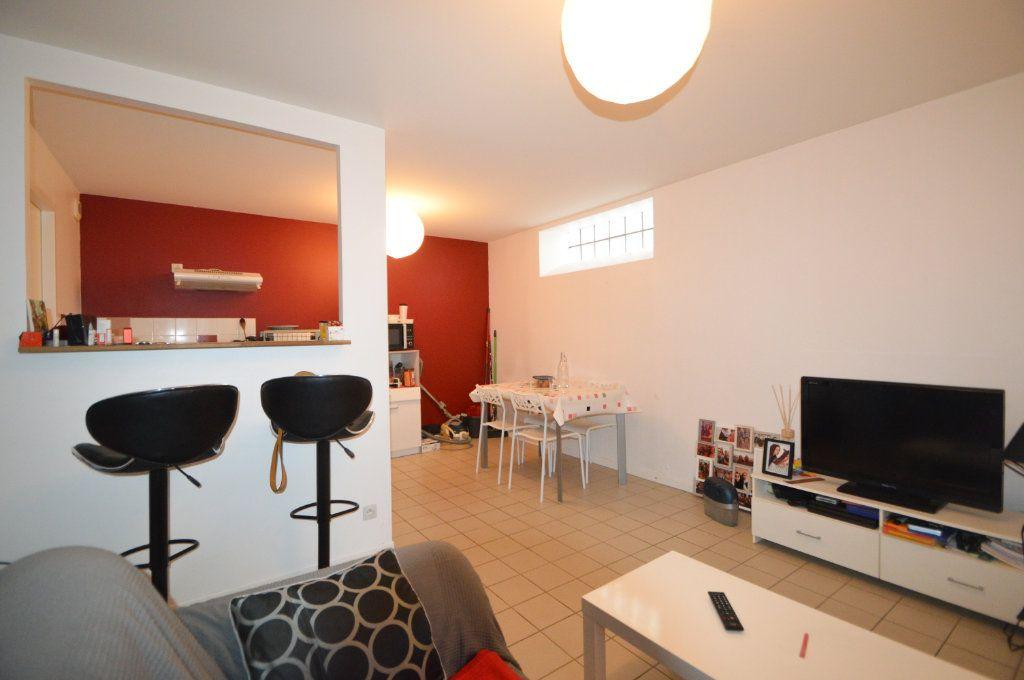 Appartement à louer 2 39.42m2 à Pau vignette-1