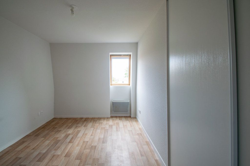 Appartement à vendre 4 70.49m2 à Pau vignette-7