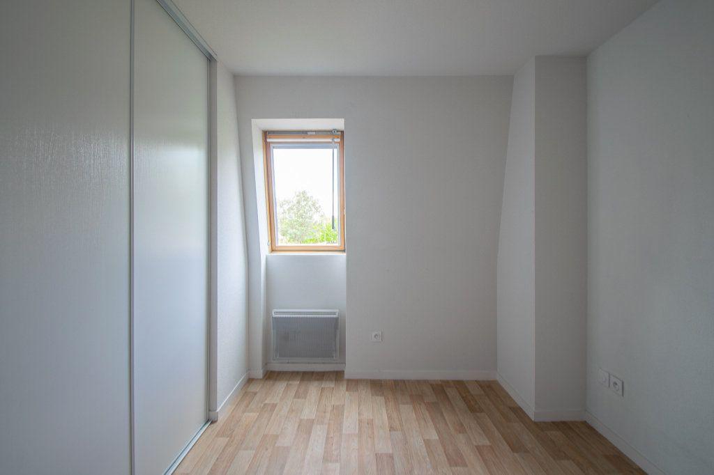 Appartement à vendre 4 70.49m2 à Pau vignette-8